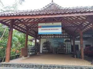 Desa wisata tenun Gamplong