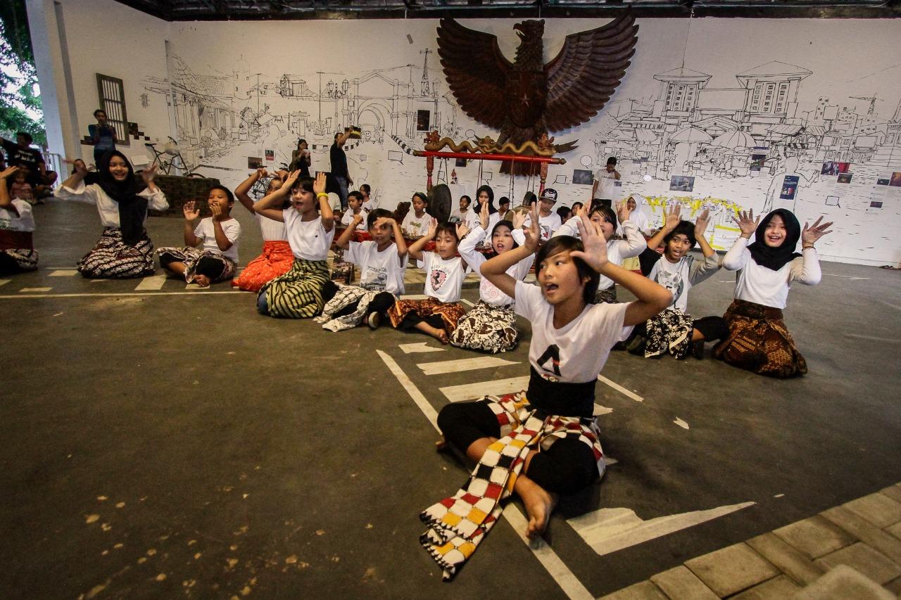 "Festival Equator Angkat Tema ""Organizing Chaos"""