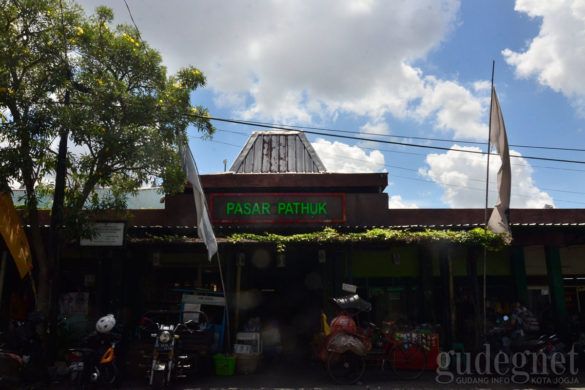 Pasar Pathuk, Pasar Akulturasi Jogja Suguhkan Kuliner Peranakan
