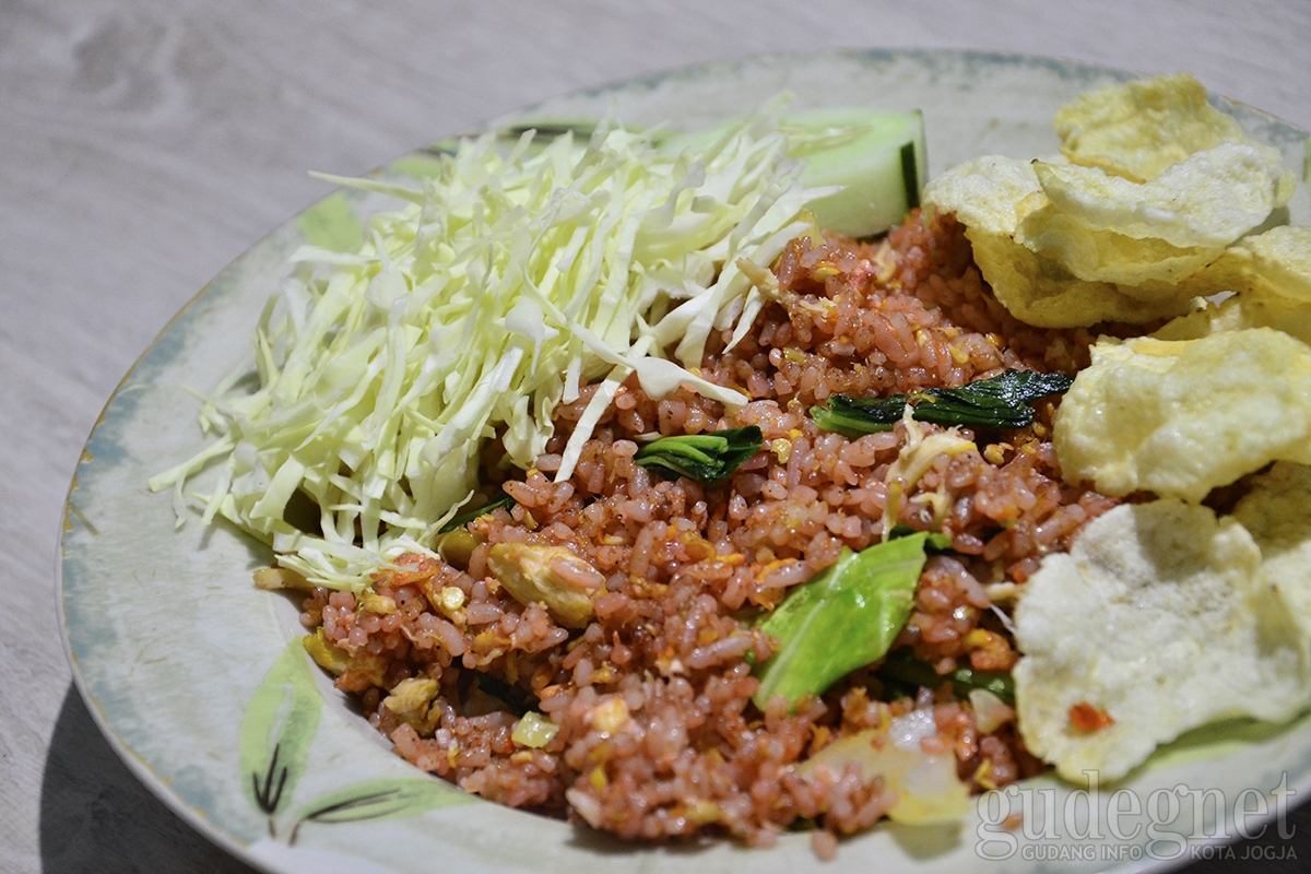 Nasi Goreng Bang Ethen, Citarasa Nasi Goreng Rempah Khas Kupang