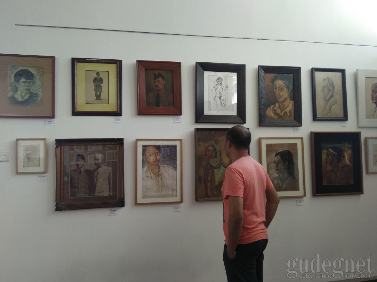 "Nasirun Gelar Koleksi ""Jas Merah"" -nya di Indieart house"