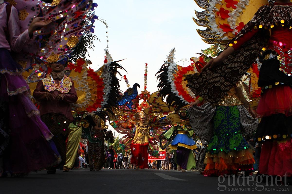 Carnaval Batik Road to Jogja Fashion Week JIBB Pukau Pengunjung