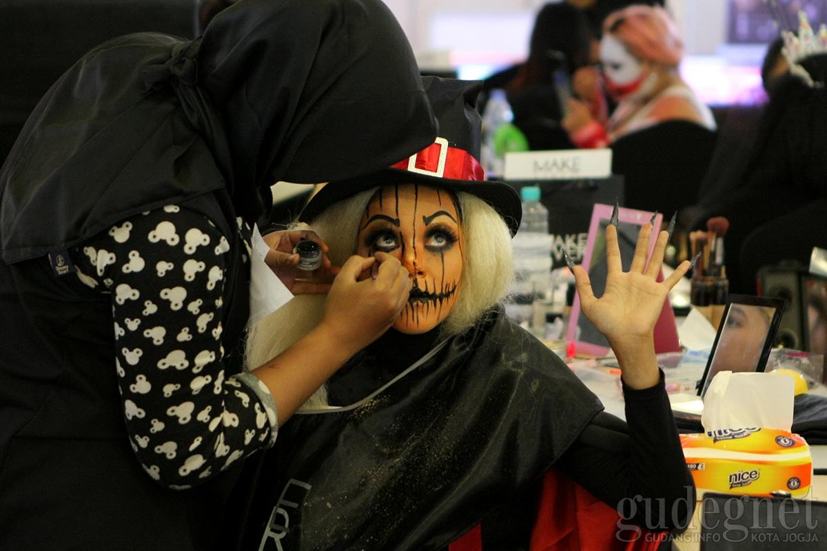 Make Up Character Competition Sambut Halloween di JCM