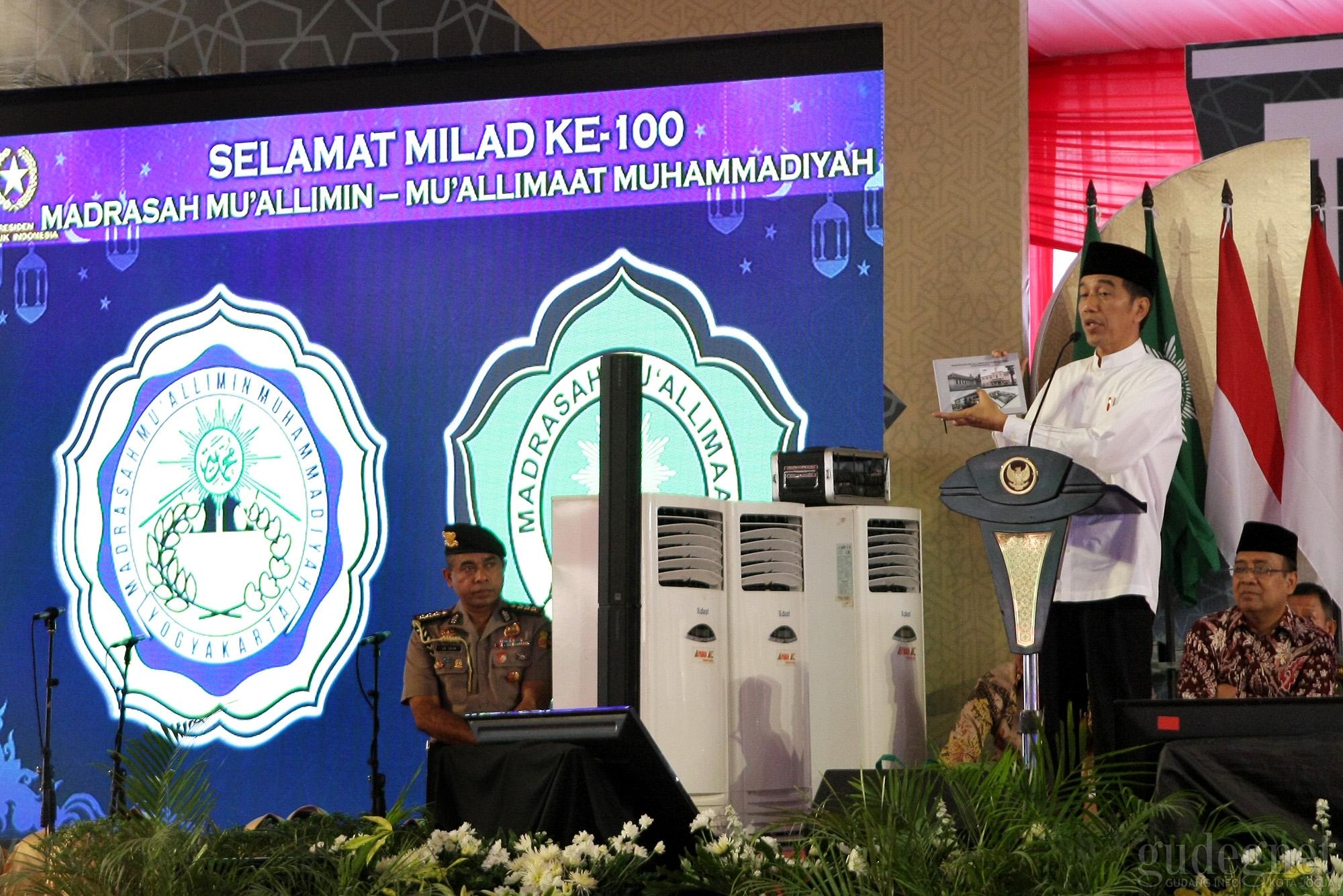 Jokowi Hadiri Milad 1 Abad Muallimin Muallimat