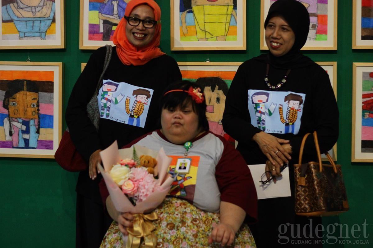 """""""Titik Balik"""", Pameran Lukisan Anak Berkebutuhan Khusus Sarat Inspirasi"""