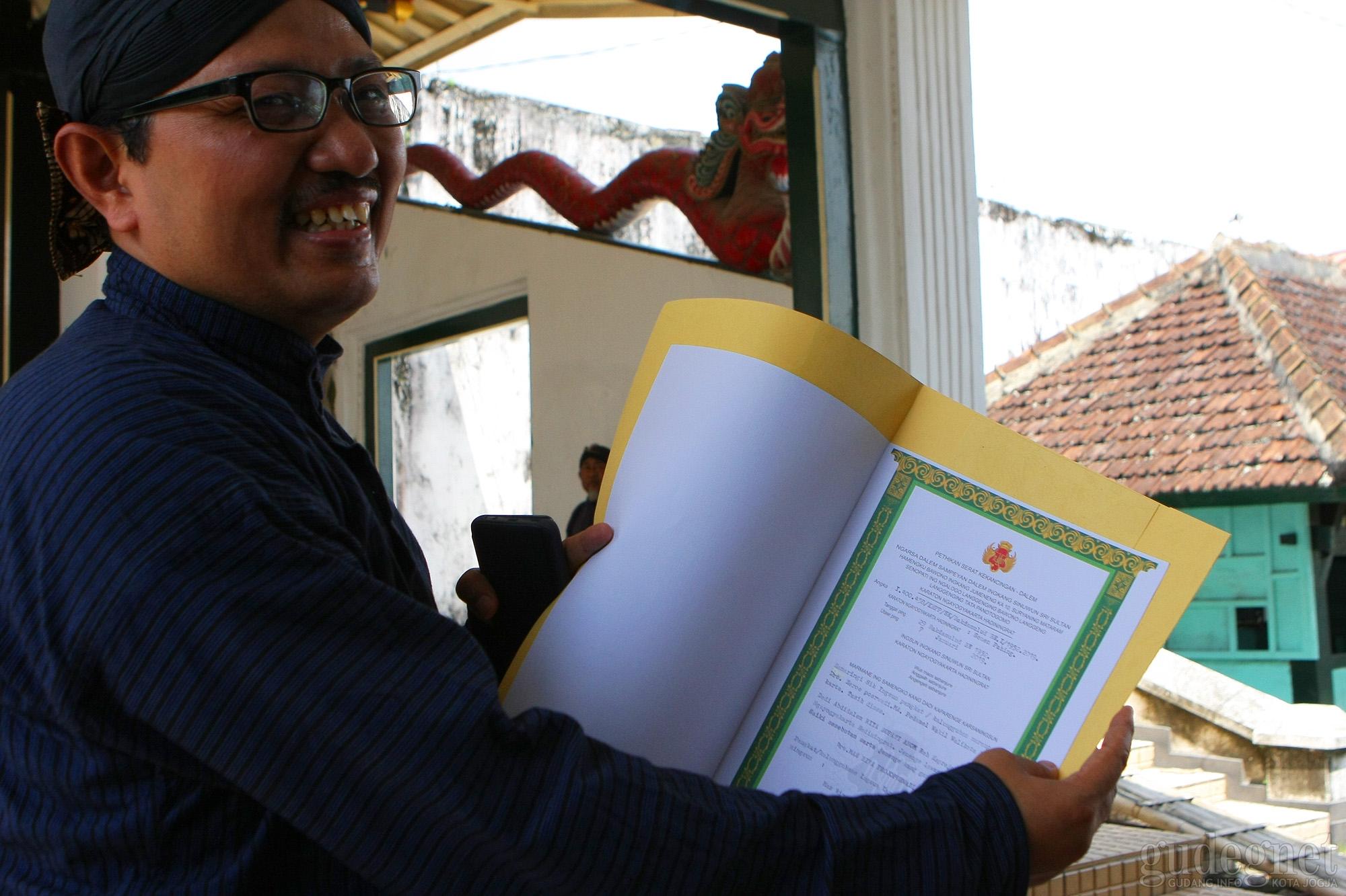 Wakil Walikota Heroe Poerwadi Resmi Jadi Abdi Dalem Kraton