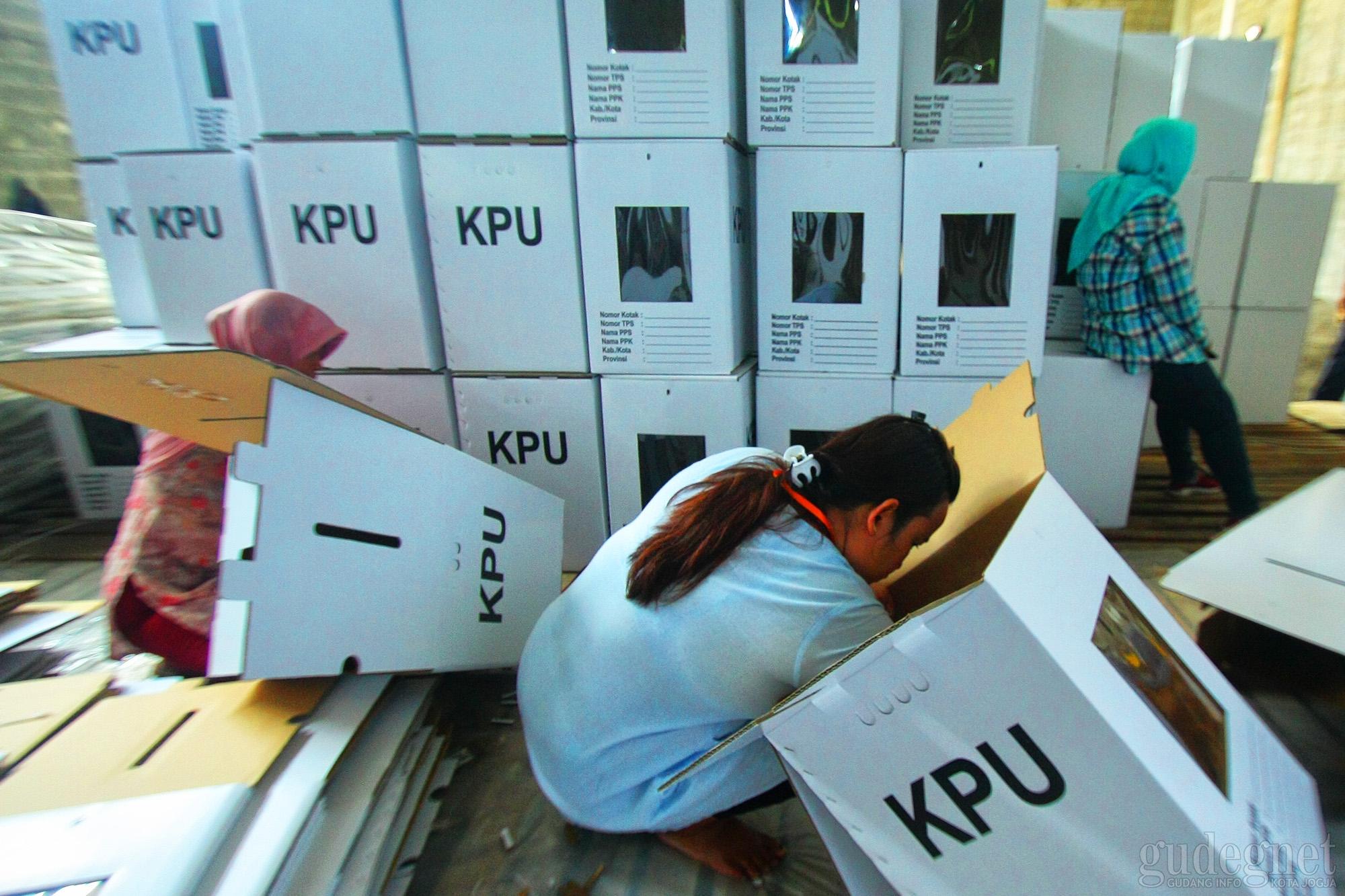 KPU Kota Yogyakarta Mulai Perakitan Kotak Suara Perdana