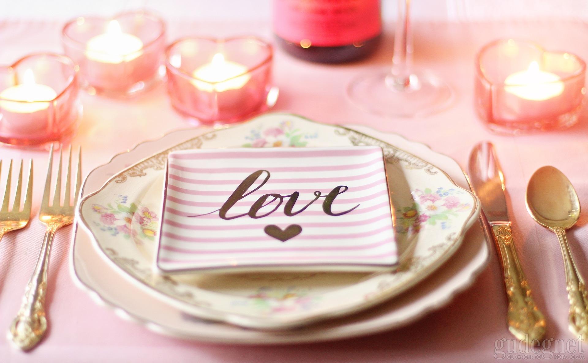 10 Hotel Jogja Ini Punya Promo Dinner Romantis Valentine