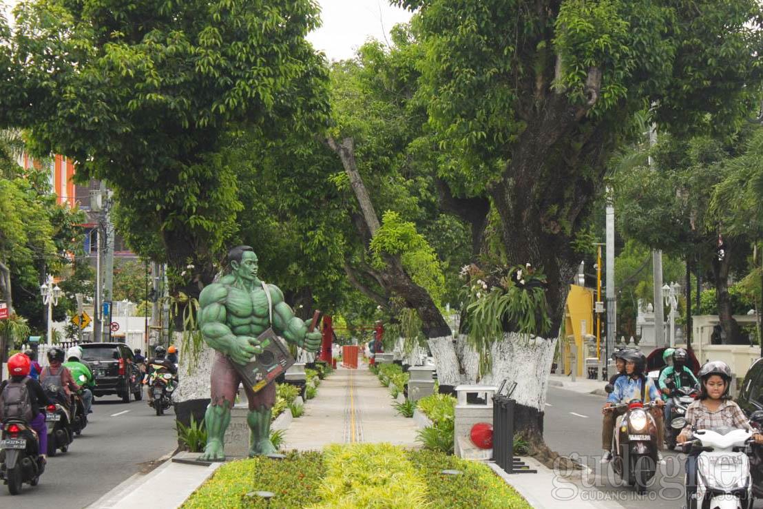 Hulk dan Spiderman Hadir di Boulevard Kotabaru