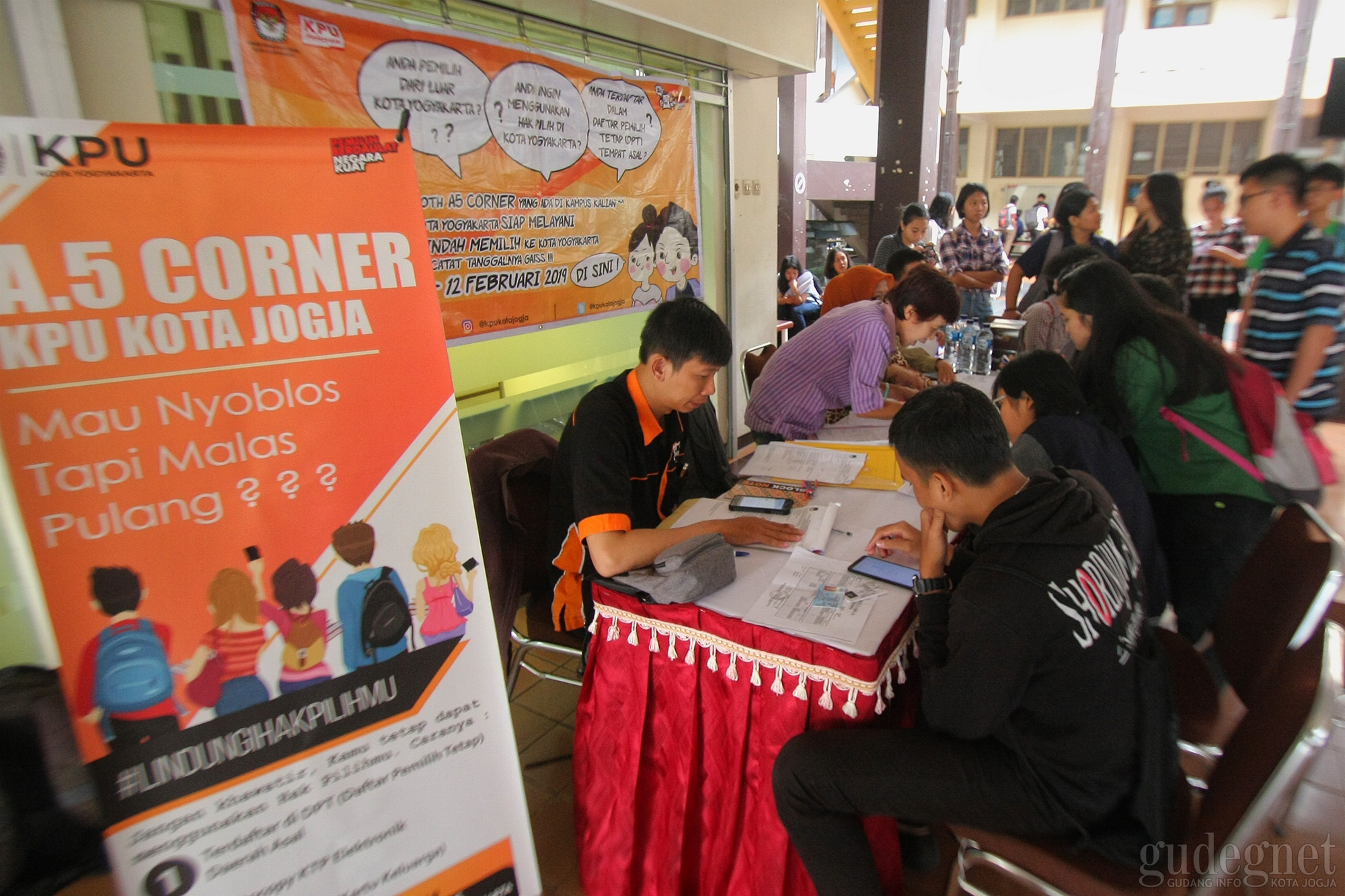 A5 Corner Permudah Mahasiswa Luar Yogya untuk Ikut Pemilu 2019