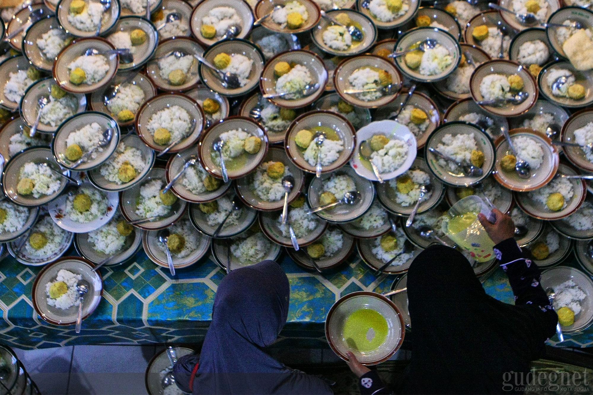 2 500 Porsi Tiap Hari Terhidang Selama Ramadan Di Masjid