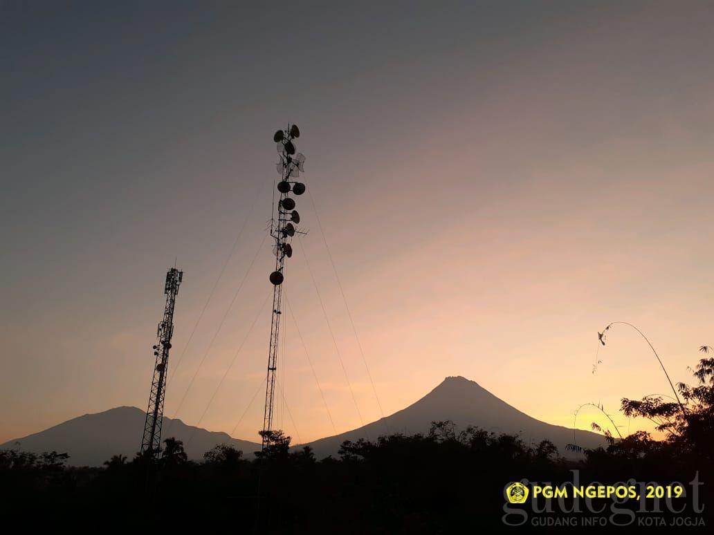 Gunung Merapi Gugurkan Lava Enam Kali Selama Iduladha