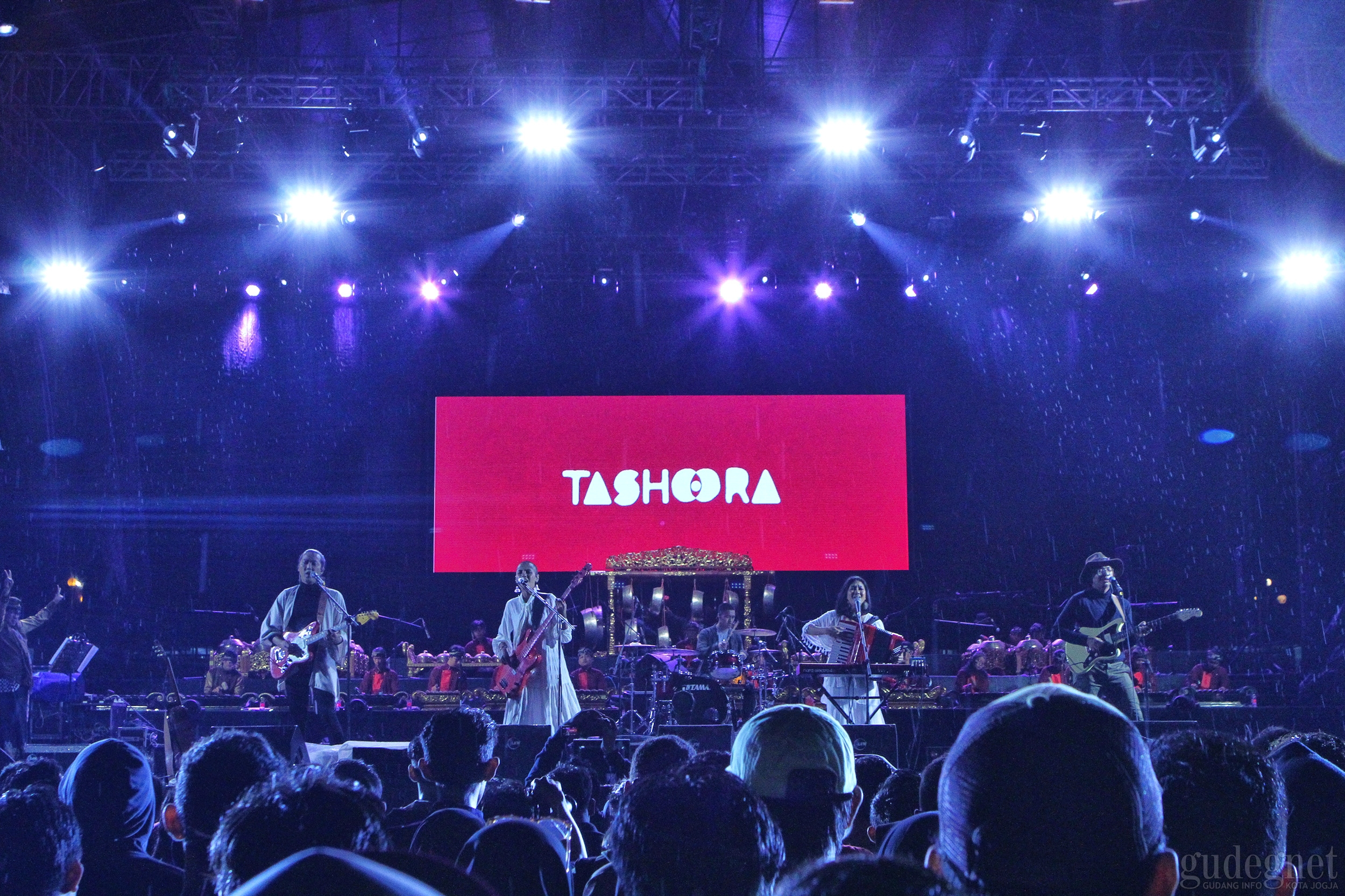 Tashoora Pukau Ribuan Penonton Roar Gama 4.0