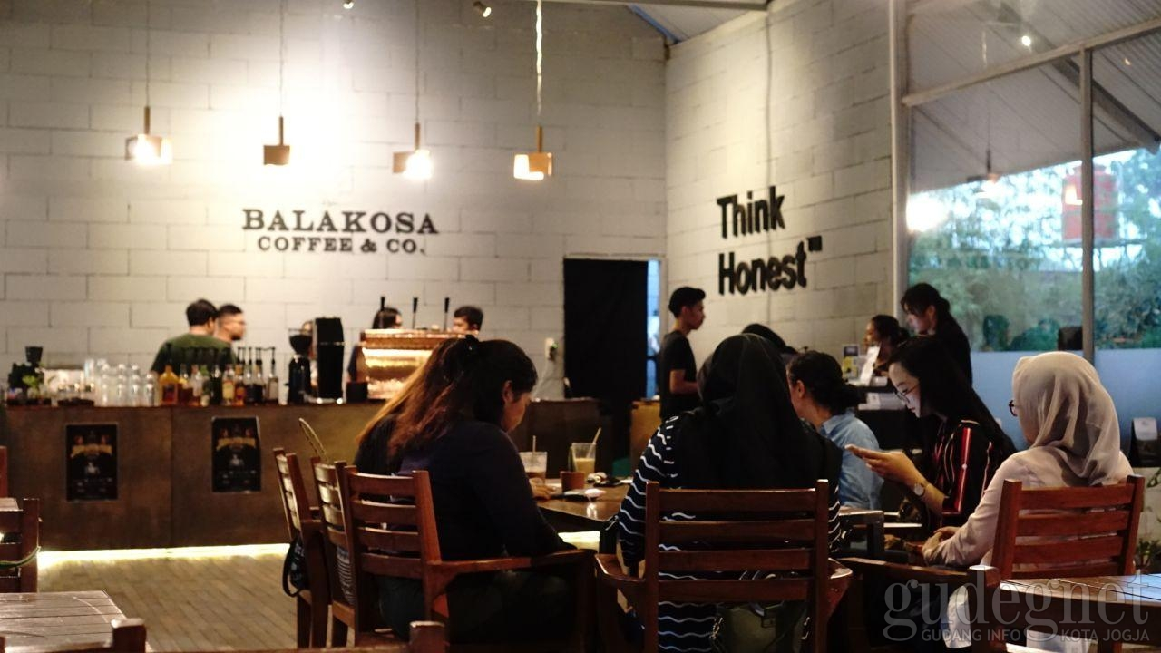 Balakosa Coffee and Co, Kedai Kopi Gaya Jepang Asik Buat Kongko