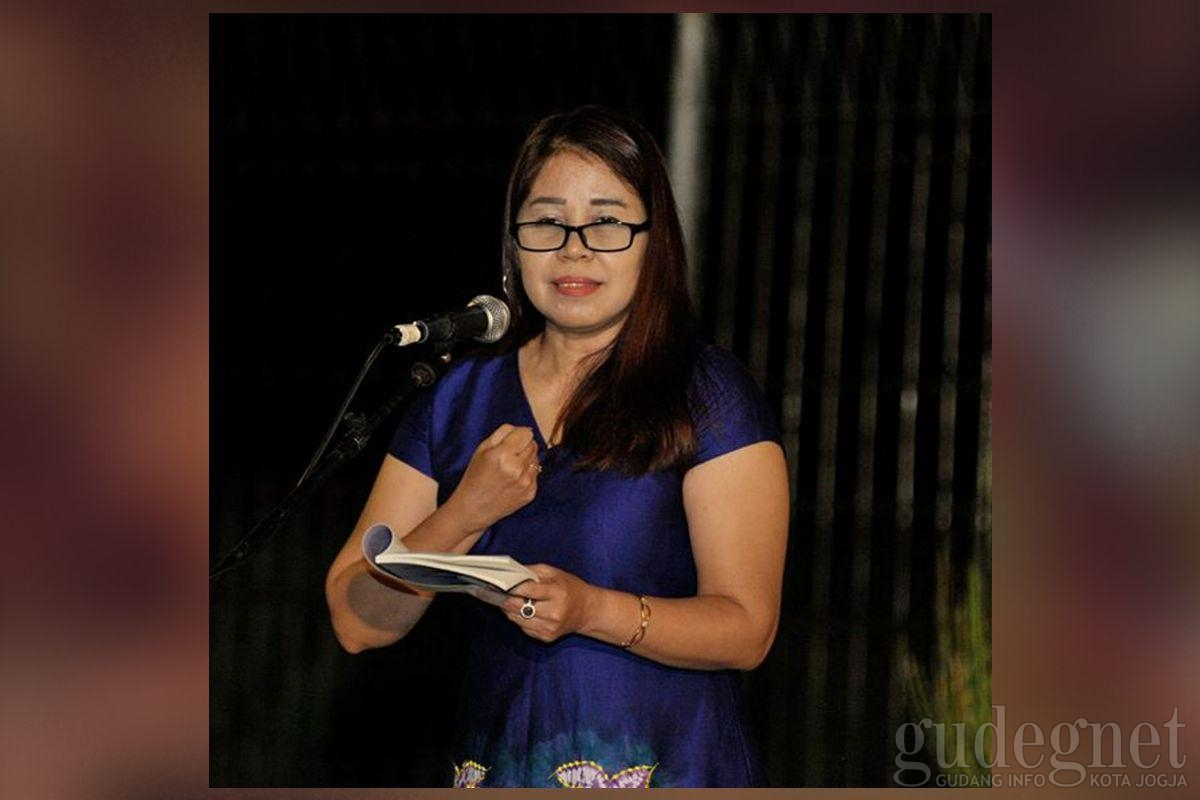 Sastra Bulan Purnama Edisi 106: Musikalisasi Puisi dan Puisi Tari Yuliani Kumudaswari