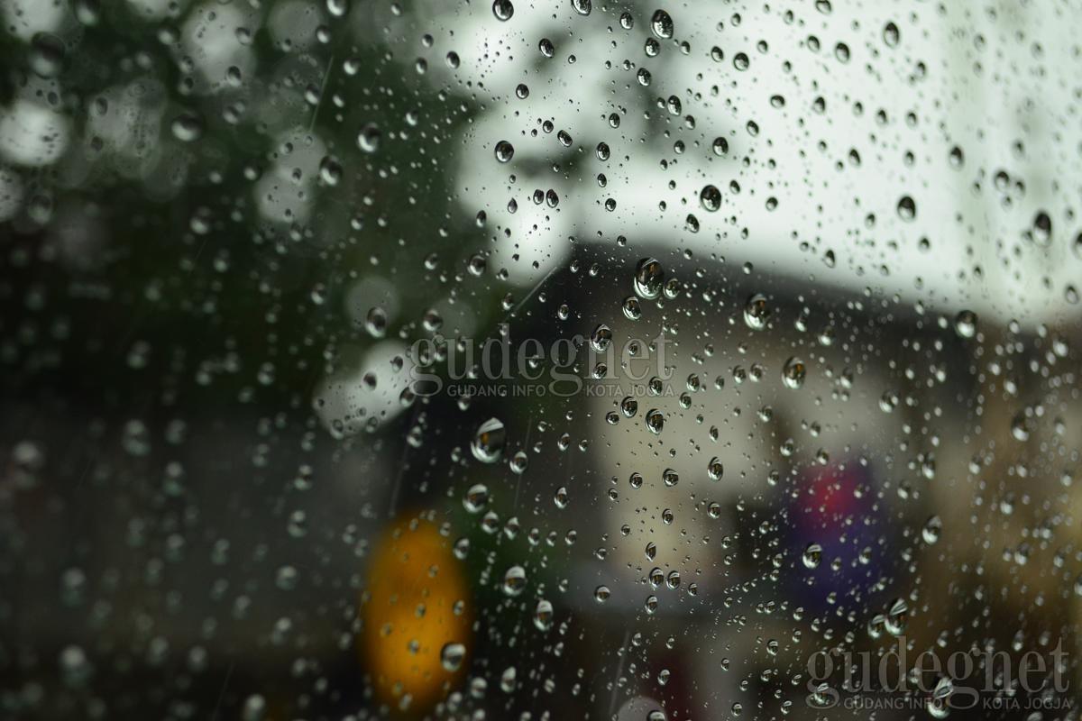 Prakiraan Cuaca Senin 19 Oktober 2020, DIY Hujan Ringan