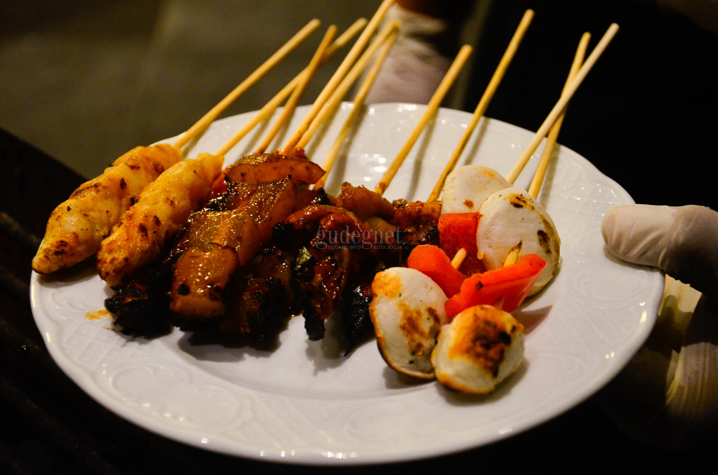 "Menikmati Sajian Live Cooking di ""Food Market by Androwino"" Sheraton"