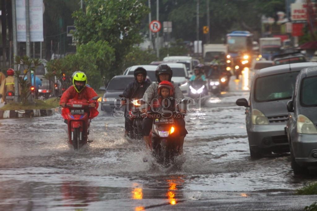 Prakiraan Cuaca DIY Senin 11 Januari 2021, Hujan Ringan dan Berawan
