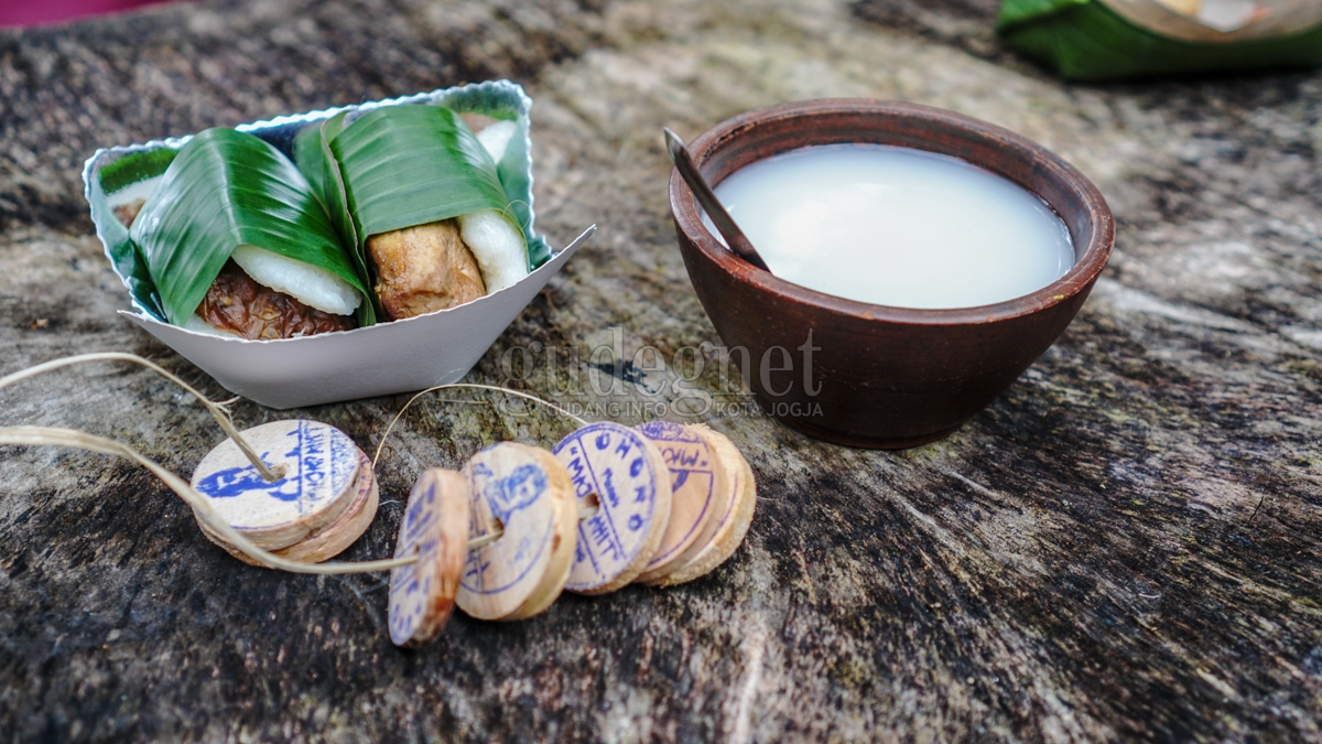 Jajan Pagi di Pasar Tradisi Majapahit Tanpa Rupiah