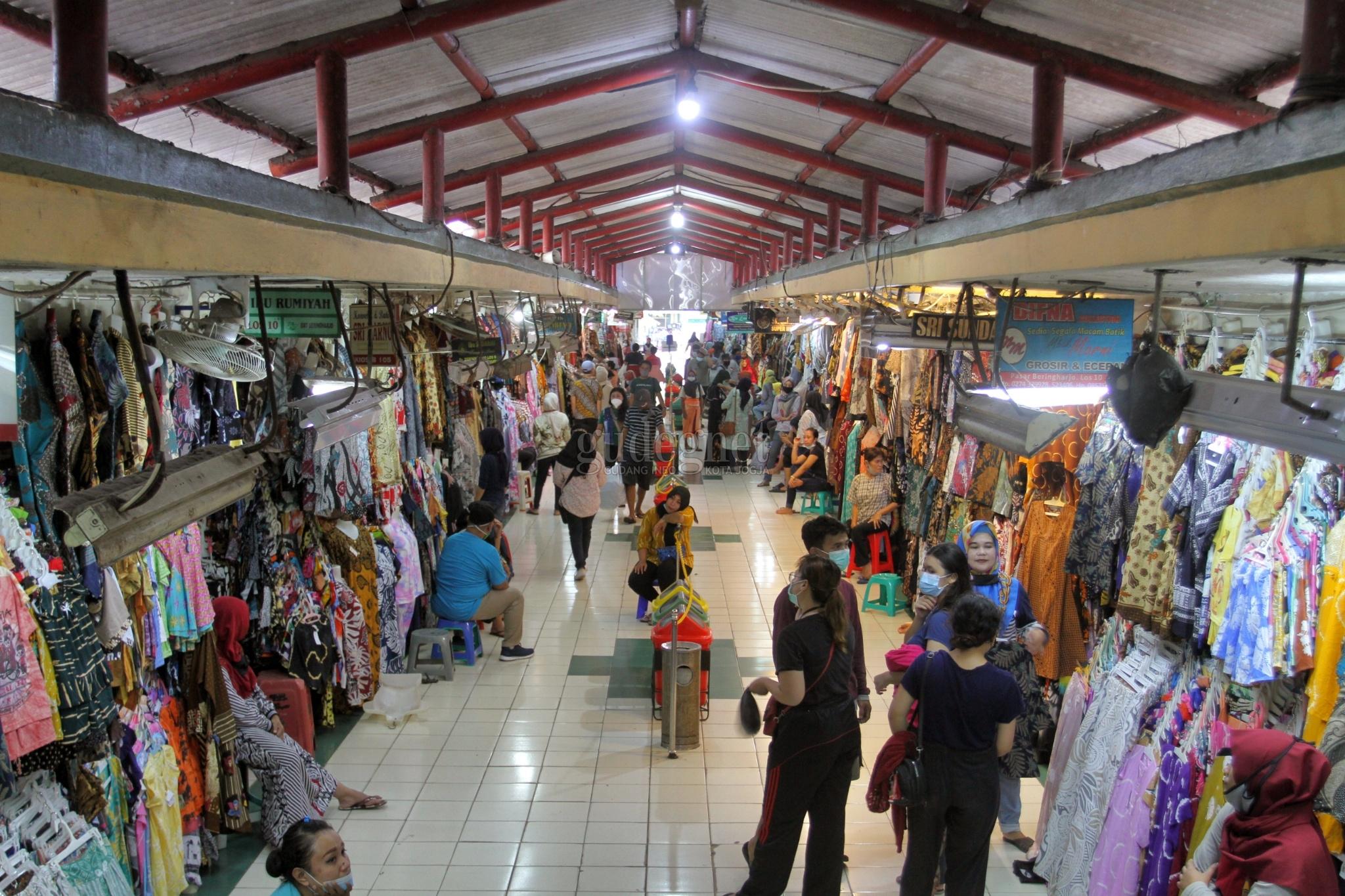 H-9 Jelang Lebaran Pasar Beringharjo Masih Sepi, Pedagang Resah