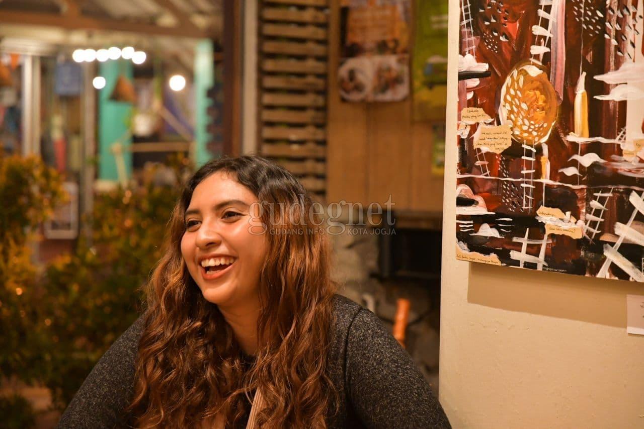 ''On a Sail Boat Beneath the Sky'': Cara Gabriela Fernandez Edukasikan Kesehatan Mental Lewat Musik