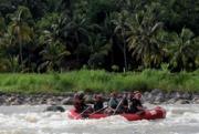 Wisata Rafting Pacu Adrenalin