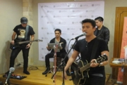 Tyo Nugros & Dirly ex Indonesian Idol Ngamen Di Jogja