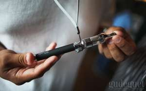 Begini Bahaya Rokok Elektrik untuk Buah Hati dan Ibundanya