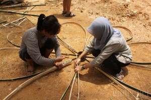 Meramu Fungsi dan Estetika Lewat Workshop Kincir Bambu Ngayogjazz 2016