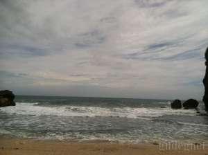 Gelombang Perairan Selatan Jawa Capai 4 Meter