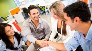 Tips Tampil Memikat Di Kantor
