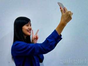 4 Cara Ini Bisa Bikin Foto Selfie Semakin Perfect