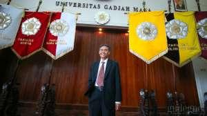 Orang Kebumen Ini Jadi Rektor UGM