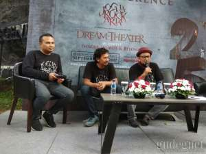 Fix, Dream Theater Konser di Candi Prambanan