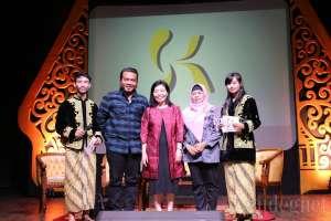 Erix Soekamti dan Didi Nini Thowok Hadiri KOMTIF 2017
