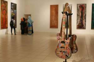 Dwi Rupa Bumi, Pameran Dua Seniman Beda Dunia