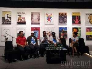 Mocosik, Pestanya Buku dan Musik