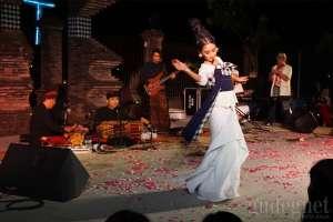 Festival Musik Tembi Ditutup Oleh Bintang Indrianto dan Ayu Laksmi ft Svara Semesta