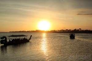 Menikmati Golden Sunset di Pasar Sore Laguna Depok
