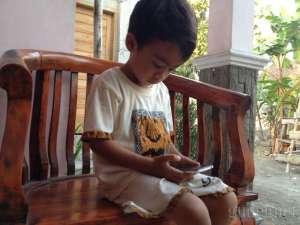 Tips Atasi Kecanduan Gawai dari Anak
