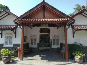 Jalan-jalan ke Museum Cokelat Monggo