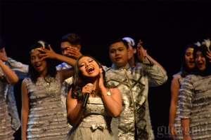 Maria Simorangkir Bersama PSM UGM Ajak TBY Bernyanyi