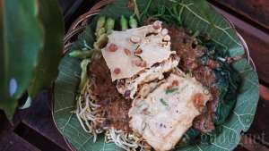 Warung Mamajo: Kuliner Fusion Mandarin Jowo Murah