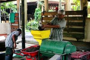 Lethong Liman, Pupuk Organik Kotoran Gajah Inovasi Bonbin Gembira Loka