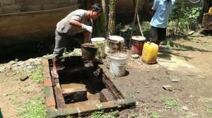 Joko Nugroho Dampingi Warga Manfaatkan Kotoran Sapi untuk Memasak