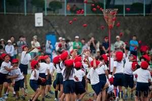 Pocarimpic Undokai UNY dan Osaka Sangyo Bangun Kebugaran dan Kerja Sama Tim