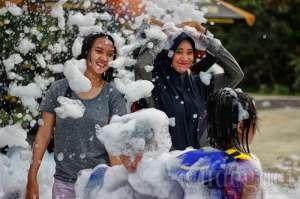 Libur Lebaran, Jogja Bay Waterpark Hadirkan Keseruan Bubble Foam Party