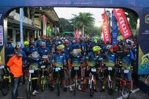 Ribuan Pencinta Sepeda Lipat Gowes Bareng di Balaikota Yogyakarta