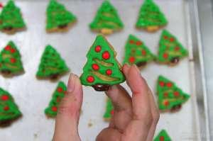 Jelang Natal, Kue dan Permen Tematik Diminati