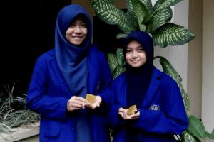 Mahasiswa UNY Olah Daun Singkong Jadi Sabun Herbal